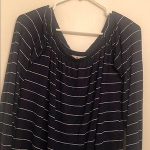 Women's Hollister off the shoulder top!